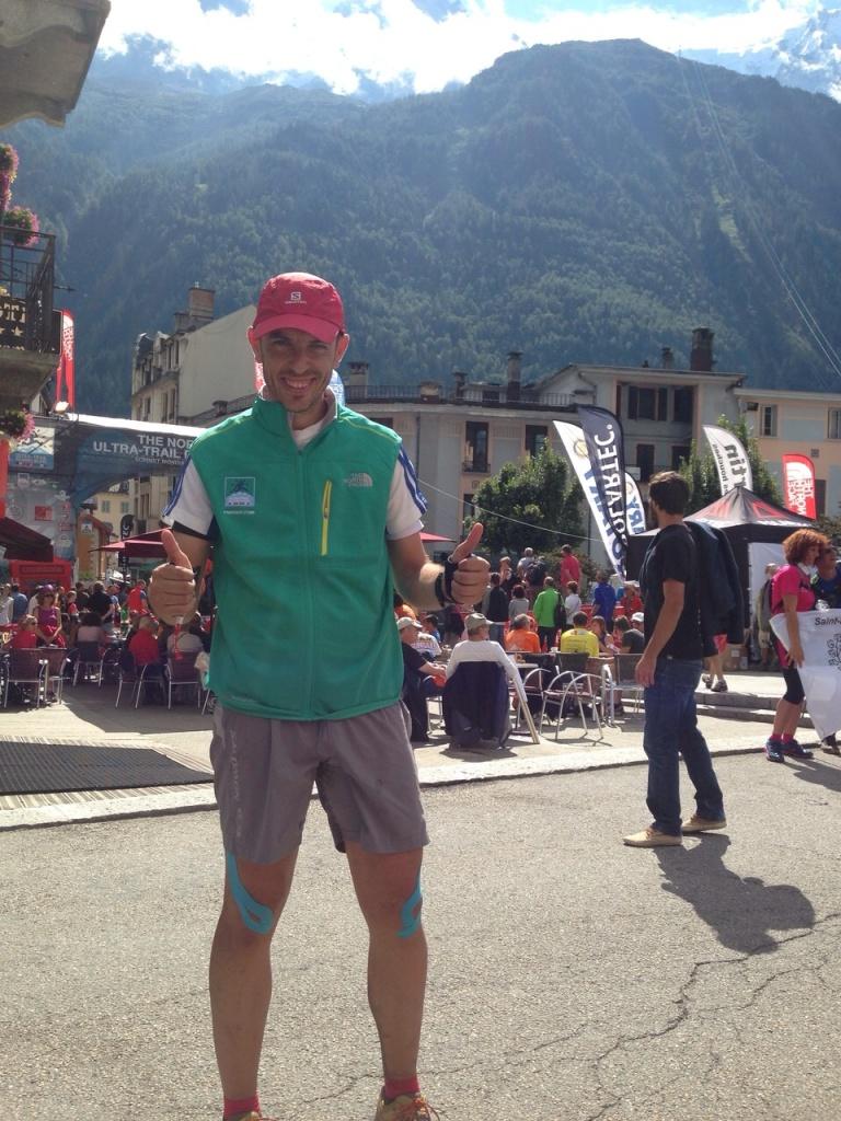 José Francisco muy feliz después de lograr el reto de ser finisher