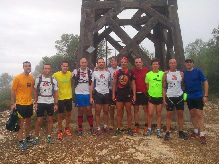 Componentes de Trail Villena junto a otros compañeros y amigos que acudieron al entreno