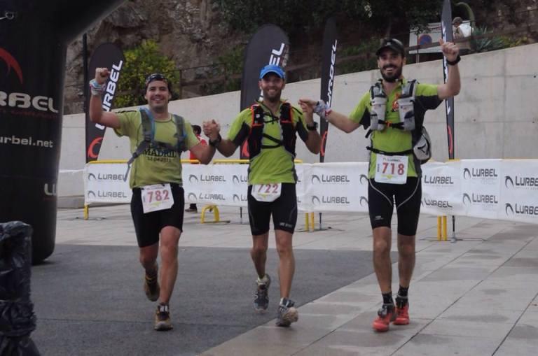 Tony, Vicente y Rober entrando juntos a meta