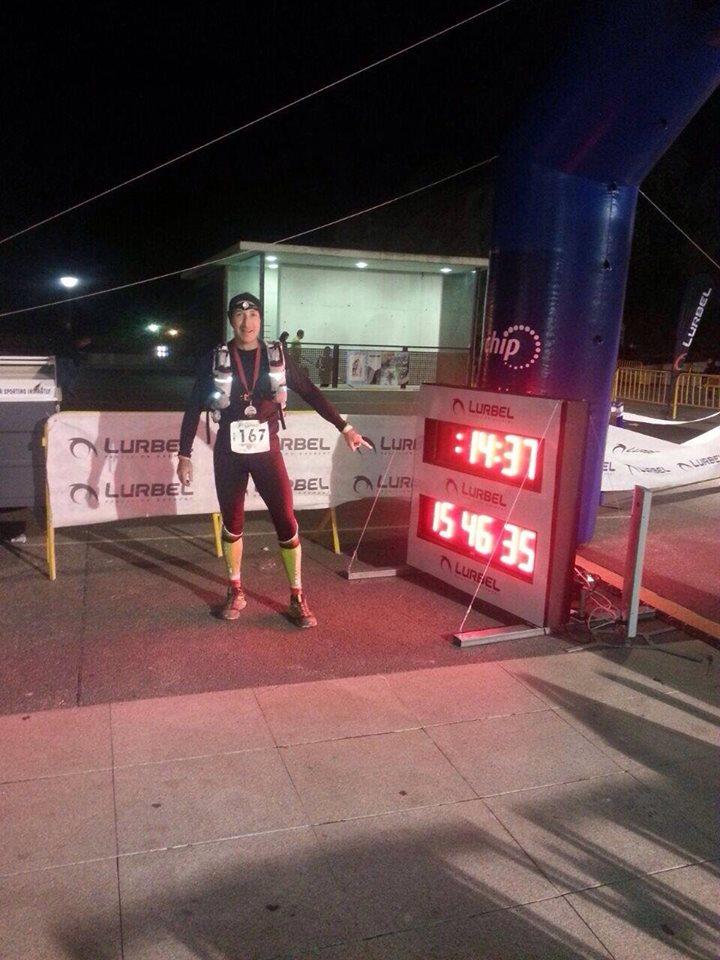 Emilio a su llegada a meta con un tiempo de 15:46:11