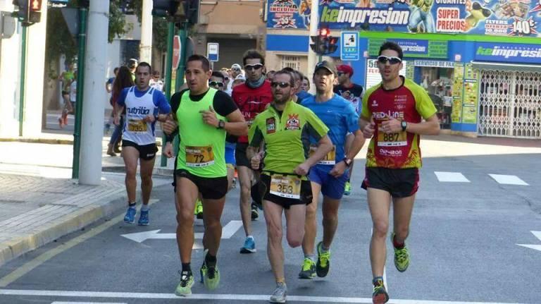 Juan Carlos Ruiz tirando del grupo durante el desarrollo de la carrera