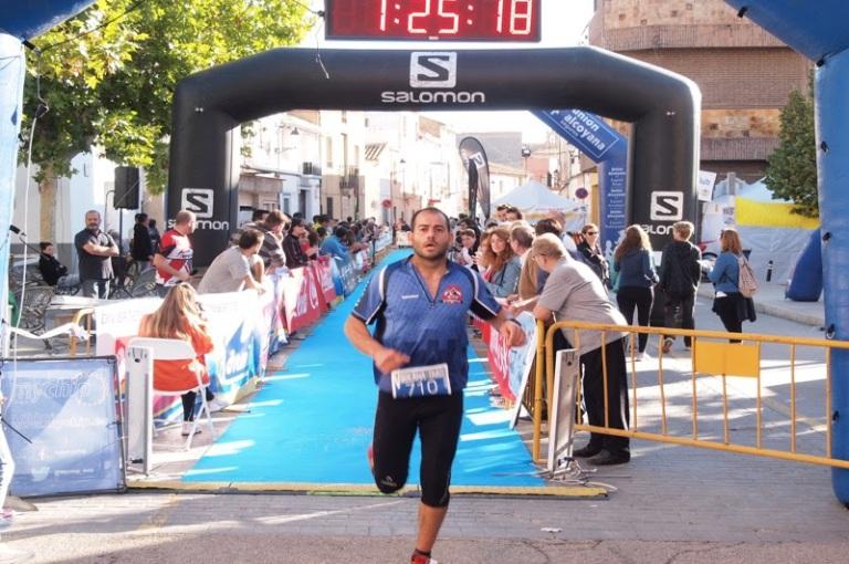 Javier Iglesias entrando en meta