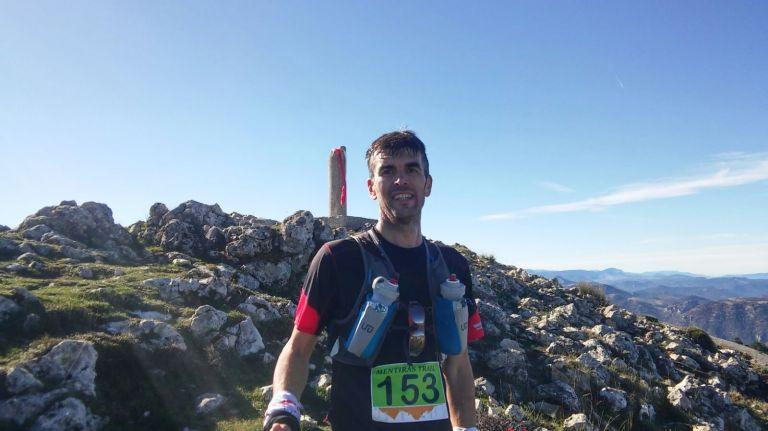 Antonio en la cima del Pico Mentiras