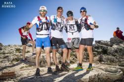 Paco Milán y Luis Cerdá con su equipo, en la cima del Montcabrer