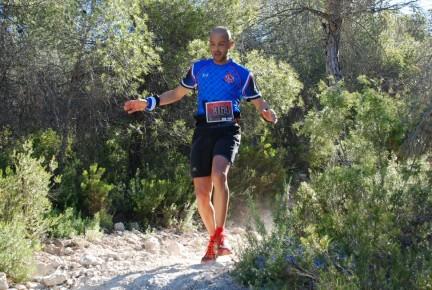 Juan Antonio en bajada durante la carrera