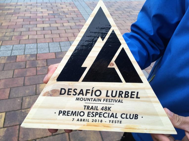 Trofeo de vencedores por equipos en la prueba de Trail 48K