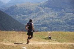 Juan Carlos con el Valle de Tena de fondo