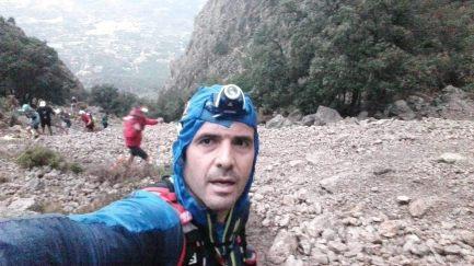 Juanjo Ortuño durante la subida al Puig Campana