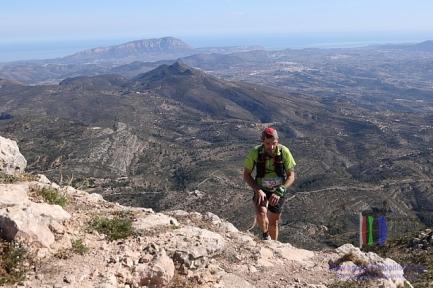 Raúl Domene en cima del Bernia